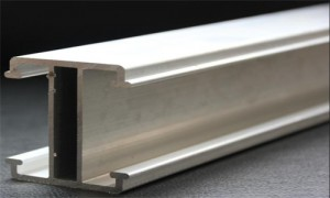 meul afwerking aluminium profiel