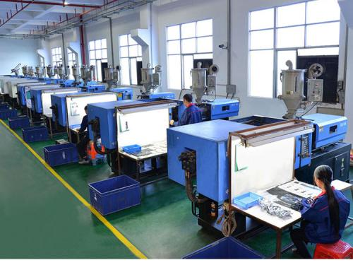 Problems and solutions in injection molding process